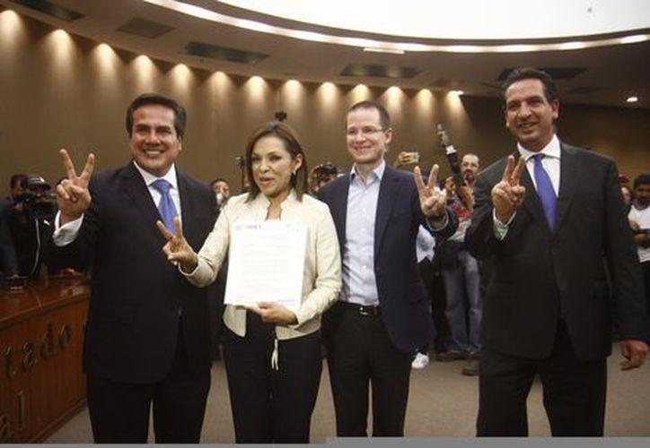 La candidata del PAN le robó cámara Margarita Zavala. (Tania Contreras/Milenio).