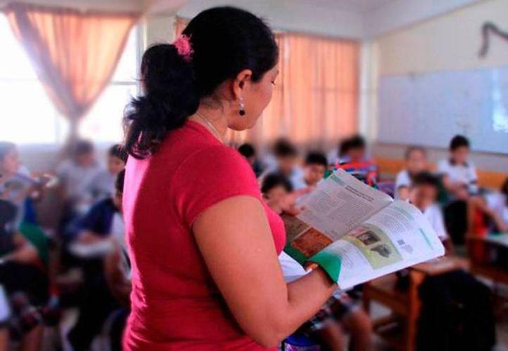 20 mil maestros recibirán un pago retroactivo al finalizar este mes.  (Milenio Novedades)