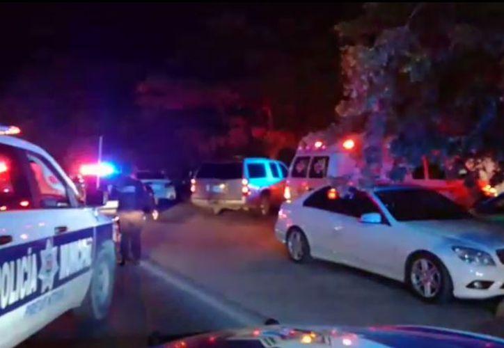 Un policía de tránsito fue atropellado por un ciudadano a quien le pretendía realizar una revisión, en la zona hotelera de Cancún.  (Luis Hernández/SIPSE)