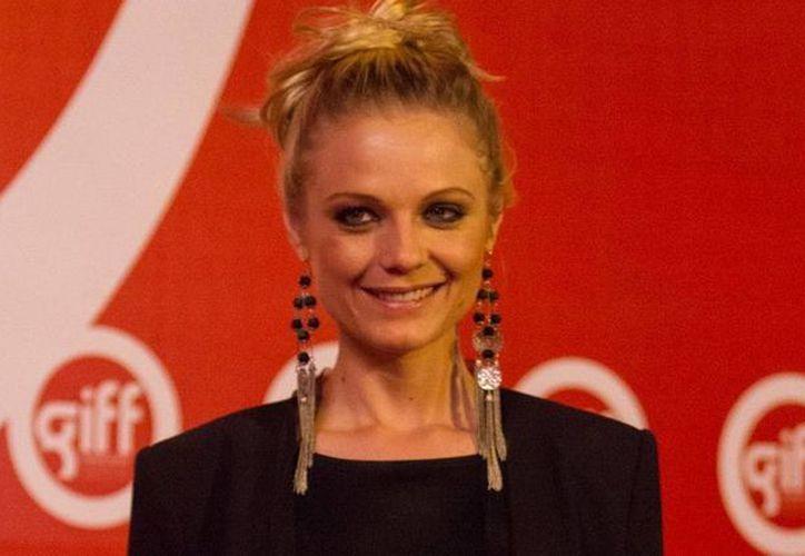 Respecto a su papel en la serie de Mundo Fox, Maldita tentación, Ana Layevska dijo que 'es la primera vez que hago una serie de lleno'. (Notimex)