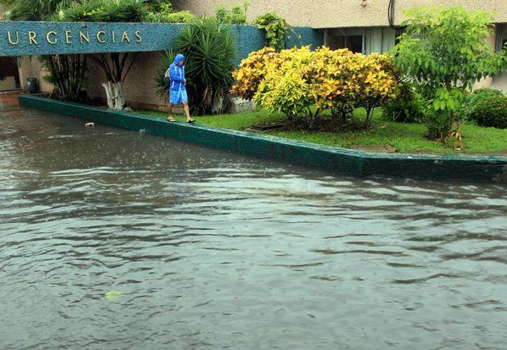 Varias zonas de Cancún se vieron afectadas con las lluvias torrenciales que se sintieron el día de ayer. (Luis Soto/SIPSE)