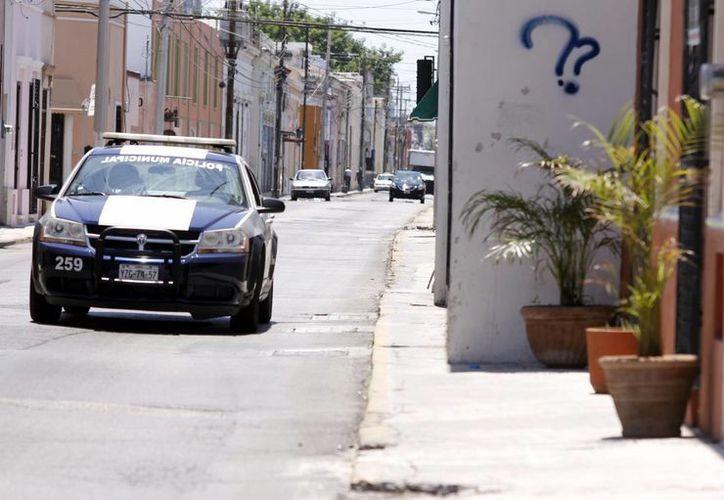 Las calles del centro no se hicieron para tanto aforo vehicular, existen varias vías estrechas. (Juan Albornoz/SIPSE)