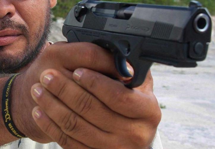 La madrugada de este viernes en un ataque de celos, un sujeto le disparó a otro. (Gustavo Villegas/SIPSE)