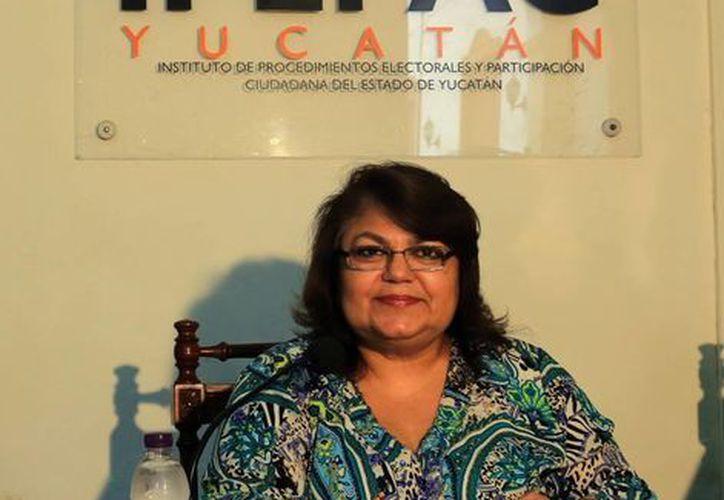 La consejera María Elena Achach  dijo que el plebiscito es una herramienta para que la sociedad se involucre en la toma de decisiones de sus autoridades. (Milenio Novedades)