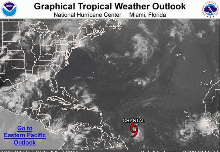 Se espera que el sistema continúe su avance hacia el Mar Caribe, a donde entraría el lunes por la noche. (nhc.noaa.gov)