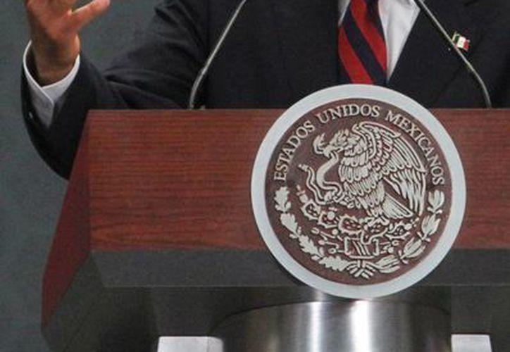 En el marco del anuncio del programa 'Crezcamos juntos' el presidente Enrique Peña Nieto subrayó que el comercio informal dificulta el desarrollo de las personas y pone en riesgo su futuro. (Notimex/Foto de archivo)