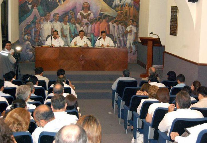 Integrantes del Consejo Universitario sesionaron este martes. (SIPSE)