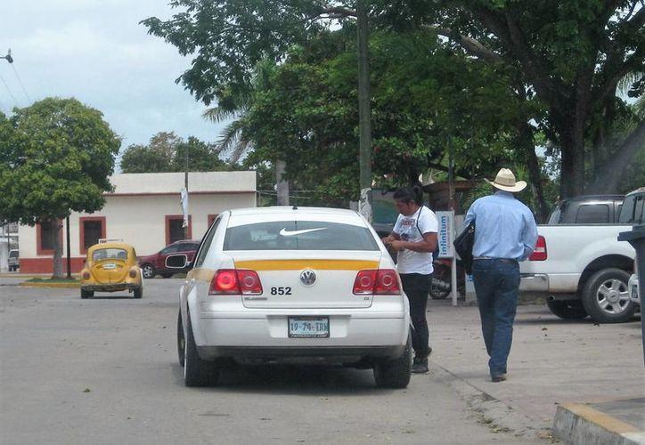 Esta acción pondrá fin al problema que por espacio de varios años sostienen con los taxistas del Suchaa. (Javier Ortíz/SIPSE)