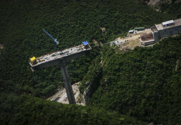 Desde el sexenio pasado se comenzó a ampliar la red carretera de Oaxaca, hacia la costa. (Imagen: http://www.oaxaca.gob.mx)