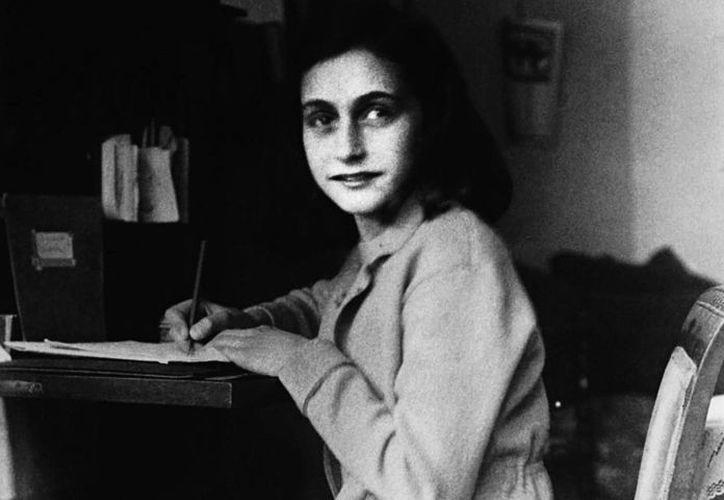 Se cumplen 70 años de la muerte de Ana Frank, autora de un diario que ha dado la vuelta al mundo para recordar las atrocidades de la Segunda Guerra Mundial. (letras.unmsm.edu.pe)