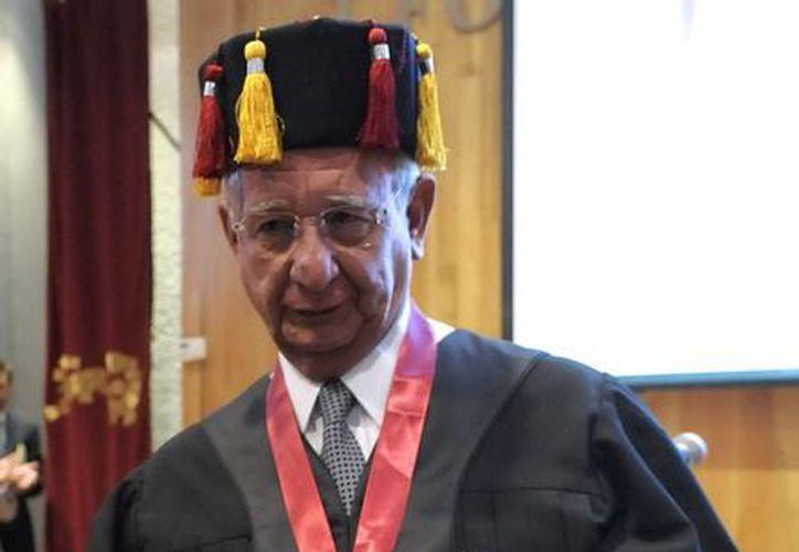 El ministro Juan N. Silva Meza recibió por parte del Instituto Nacional de Ciencias Penales el Doctorado Honoris Causa. (Notimex)