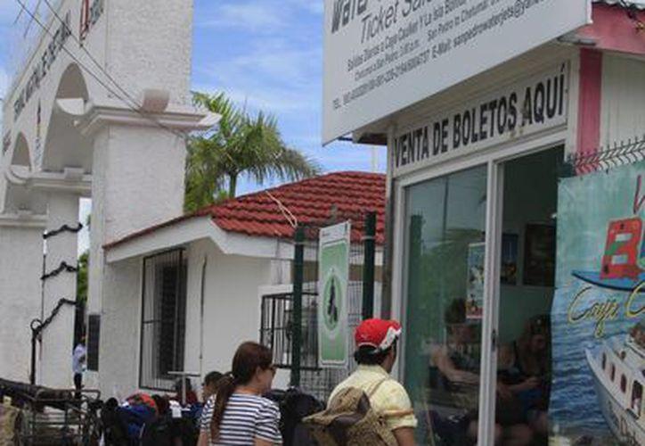El número de turistas empieza a incrementar con las vacaciones. (Harold Alcocer/SIPSE)