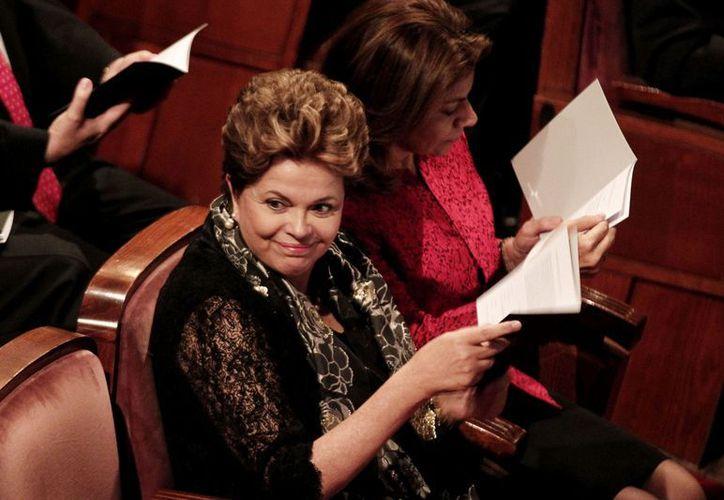 De acuerdo con las denuncias, ni siquiera la presidenta Dilma Rousseff (foto) está segura de su privacidad. (Notimex)