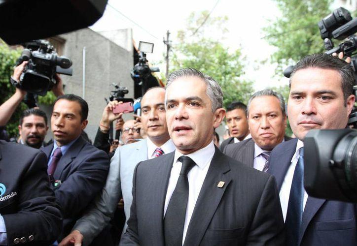 Miguel Ángel Mancera solicitó la renuncia de todo su equipo de trabajo para someterlos a una evaluación. (Archivo/Notimex)