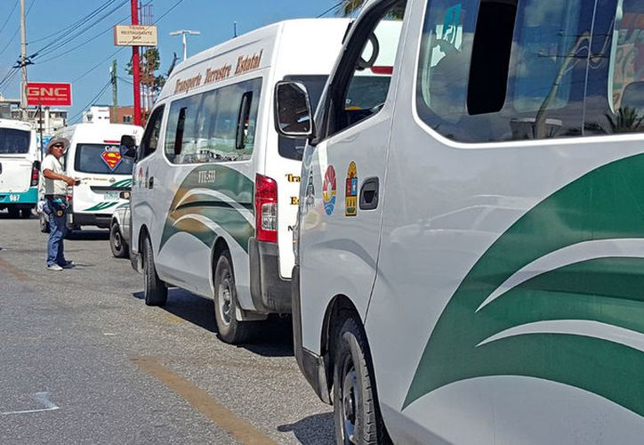 Usuarios han denunciado en muchas ocasiones el mal servicio de los choferes de Transporte Terrestre Estatal. (Jesús Tijerina/SIPSE)