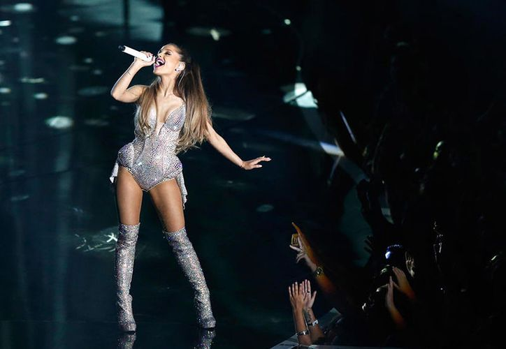 Ariana Grande, será reconocida por su respuesta al ataque mortal contra uno de sus conciertos en Manchester. (AP)