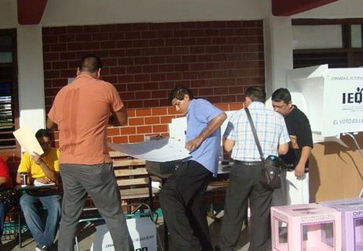 El vocal presidente del Distrito 01 dijo que faltan personas para apoyar en las casillas. (Octavio Martínez/SIPSE)