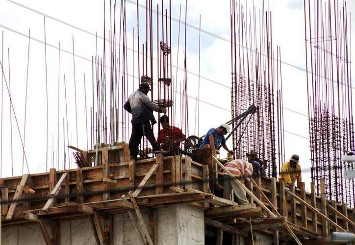 En el ramo de la construcción es donde se registran más accidentes laborales. (Milenio Novedades)