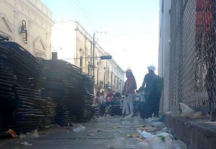 El paseo del lunes produjo más de 80 toneladas de basura. (Christian Coquet/SIPSE)