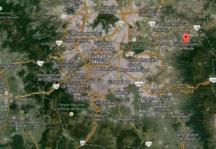 Durante la intervención de la policía de Texcoco para rescatar a los delincuentes en Santa Catarina del Monte un agente resultó herido de gravedad. (Google Maps)