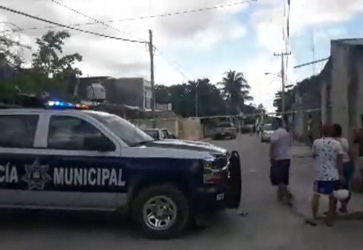 Agentes de la policía ministerial iniciaron la investigación correspondiente. (Foto: Redacción SIPSE)