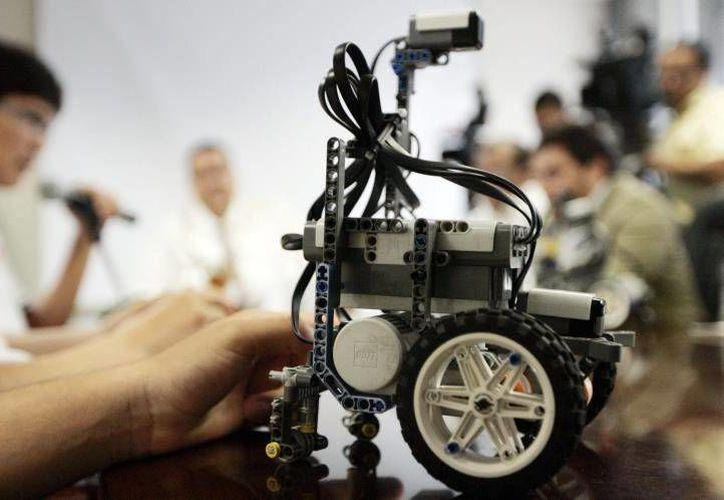 Alumnos se capacitan e incluso se titulan u obtienen el grado gracias al proyecto del robot. (prodigy.msn.com)