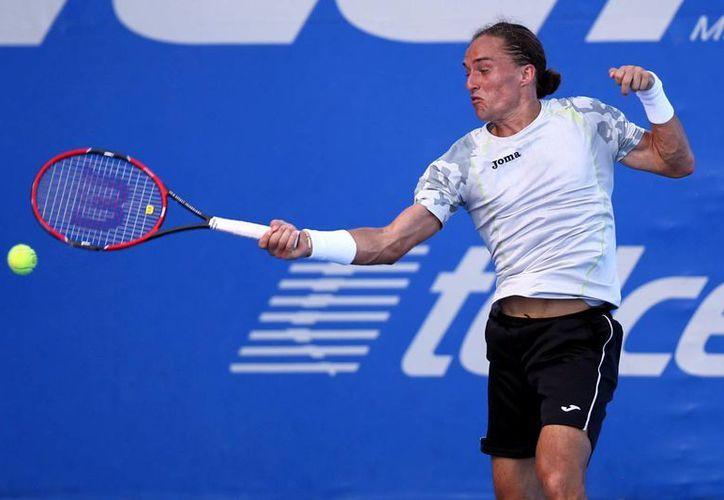 Alexandr Dolgopolov requirió de solo una hora de juego para eliminar a Andreas Haider-Maurer en el Abierto Mexicano de Tenis. (Notimex)