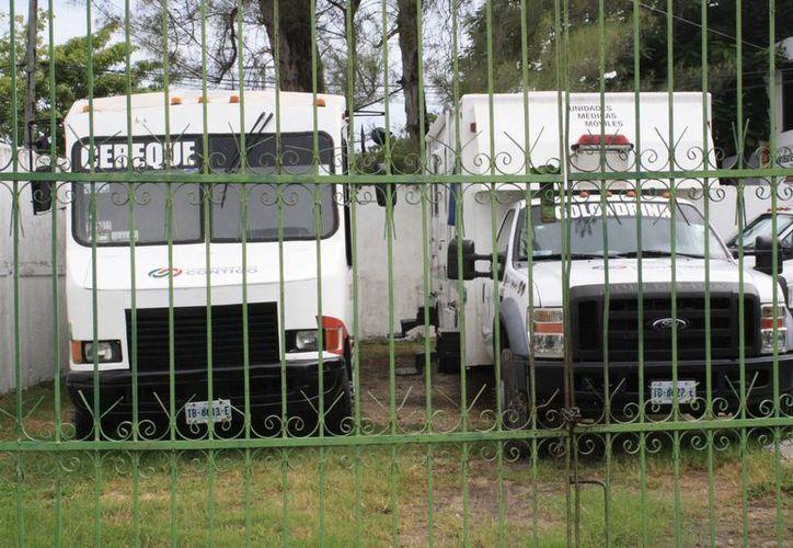 Quintana Roo tiene 16 camiones, 13 de estos aportados por la Federación. (Ángel Castilla, SIPSE)