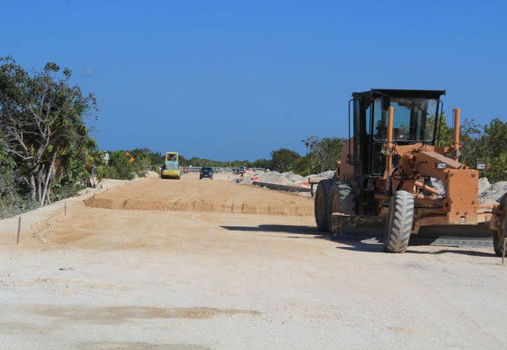 Ponen en consulta pública proyecto de ampliación de carreteras. (Luis Soto/SIPSE)