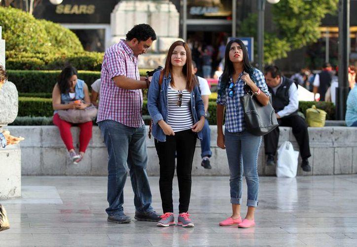 Según el Inegi, los jóvenes en México pueden ser víctimas de algún delito al menos cuatro veces en un año. (Archivo/Notimex)