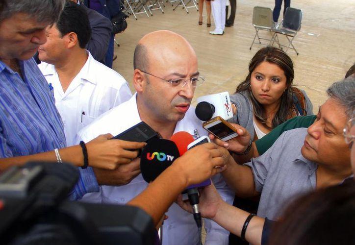 Renato Sales Heredia, en entrevista con los reporteros. (Juan Albornoz/SIPSE)