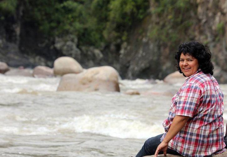 La activista indígena Bertha Cáceres, premio Goldman 2015, fue asesinada en Honduras. Ya había denunciado amenazas de muerte, incluso del Ejército de su país. (goldmanprize.org)