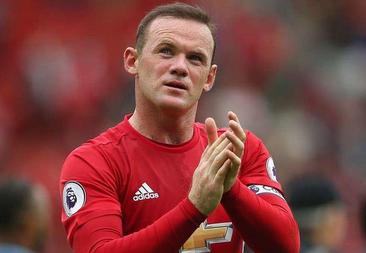 """En noviembre de 2016, después de una victoria de Inglaterra Rooney """"invadió"""" la fiesta de una boda. (Foto: Contexto/Internet)"""