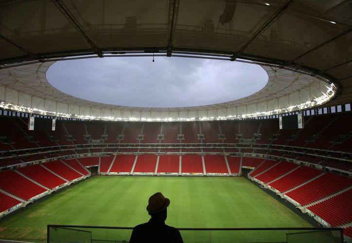 El estadio Mané Garrincha de Brasilia fue el más caro de los doce recintos construidos para el Mundial. (EFE/Archivo)