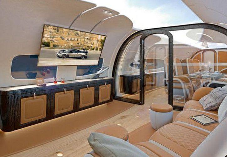 La aeronave fue presentada en el exclusivo salón suizo EBACE. (Foto: RT)