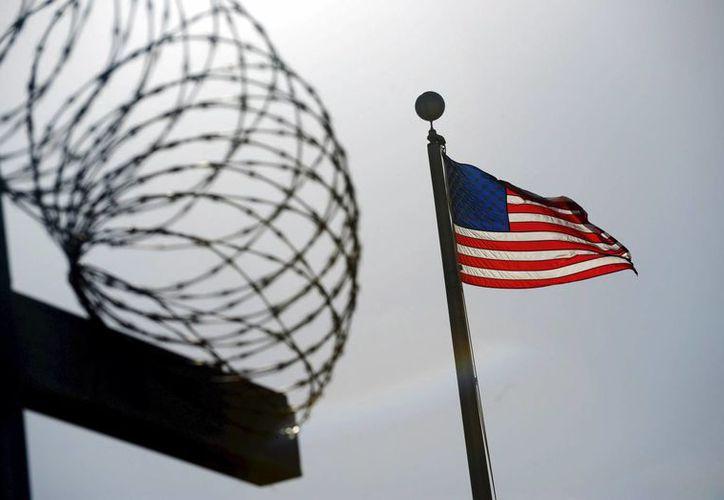 En la Bahía de Guantánamo quedan 142 hombres siguen presos. (Archivo/EFE)