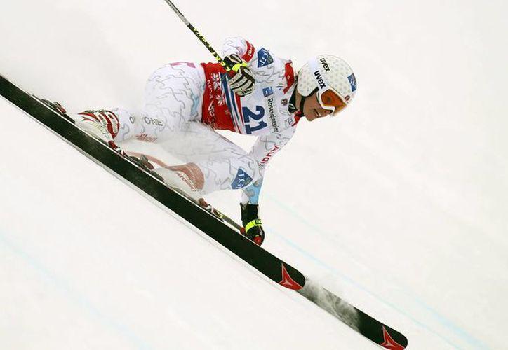 Tina Weirather, de Liechtenstein, entrena para los Juegos Olímpicos en Sochi, Rusia. (Agencias)