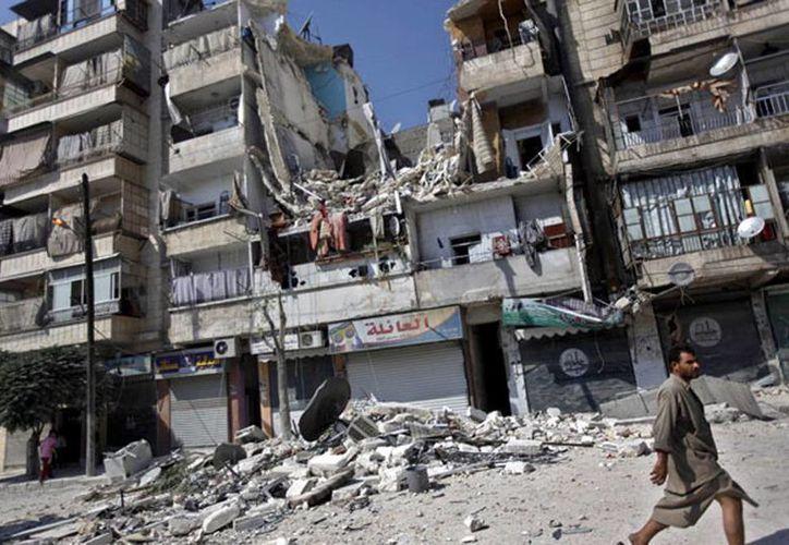 El levantamiento se ha convertido en una guerra civil que lleva más de 140,000 muertos, según activistas de oposición en Siria. (Agencias)