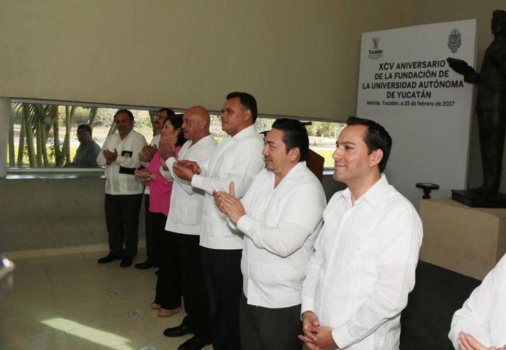 Invita el alcalde de Mérida a egresados de UADY a sacar provecho del Centro Municipal de Emprendedores. (Foto cortesía del Ayuntamiento)