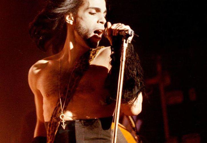 Prince fue hallado muerto en su casa el jueves en un suburbio de Minneapolis. Tenía 57 años. (AP)
