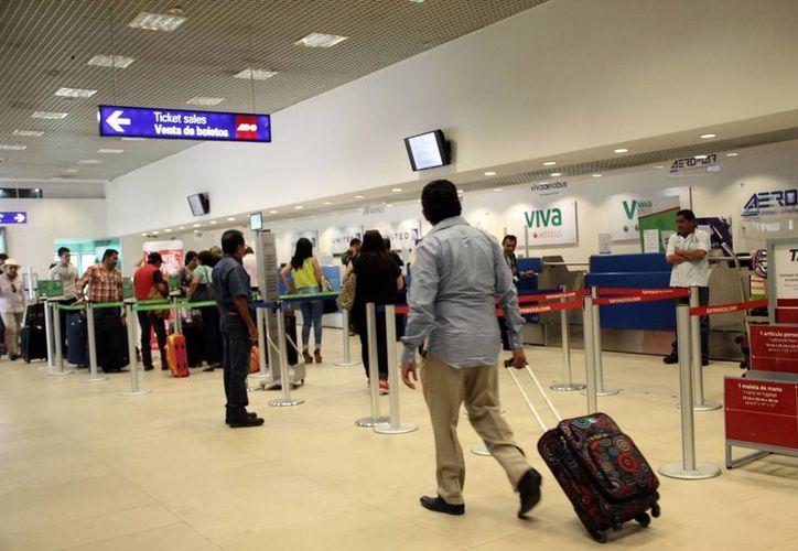 A diario se realizan unas 100 operaciones en el aeropuerto de Mérida. (Milenio Novedades)