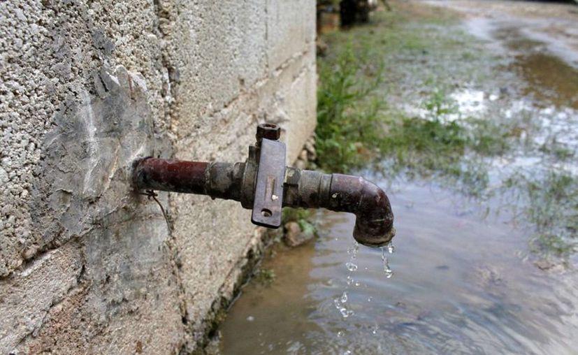 Las labores afectarán a un aproximado de 800 usuarios. Pero son necesarias para que entre en operación la nueva red de agua potable. (Harold Alcocer/SIPSE)