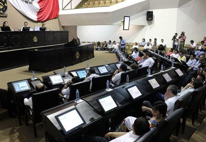 En la sesión de hoy se distribuirán las iniciativas entre los diputados el análisis de estas leyes secundarias. (SIPSE)