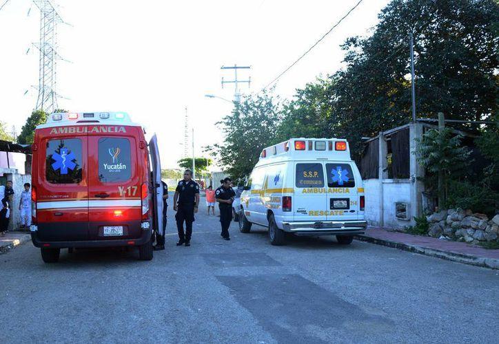 Los servicios de emergencia acudieron inmediatamente para estabilizar al joven, quien perdió un dedo de la mano izquierda. (SIPSE)