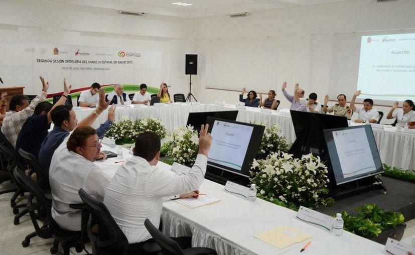 En la reunión se acordaron las acciones para mejorar la calidad en el sector salud. (Redacción/SIPSE)