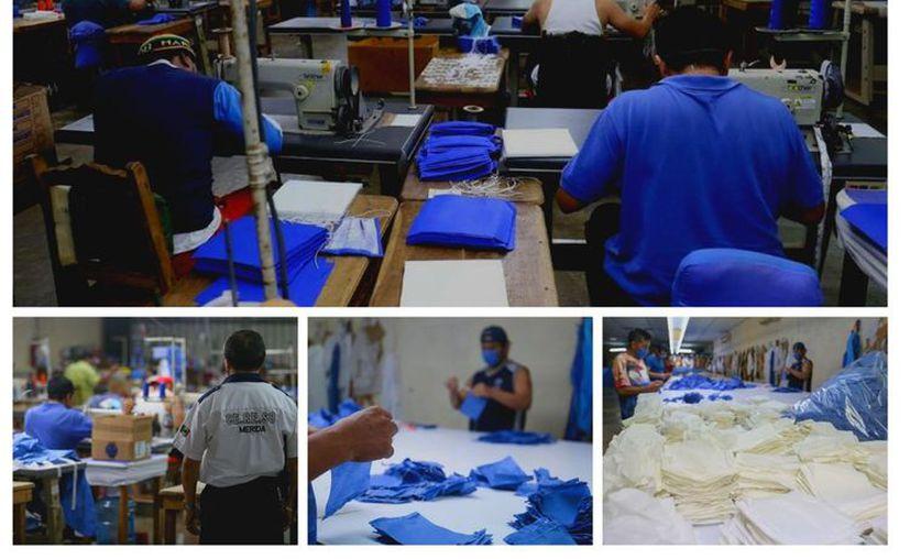 Rollos de tela de algodón y elástico comercial fueron dotados al penal meridano, para que las personas que trabajan en la maquiladora que está ahí comiencen con la fabricación de estas prendas. (Especial)
