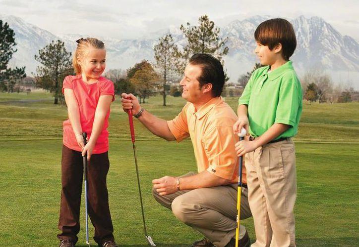 La diversidad de opciones en el mercado le permitirá elegir la mejor experiencia para su papá, de acuerdo con su edad, habilidades y condición física. (SIPSE)