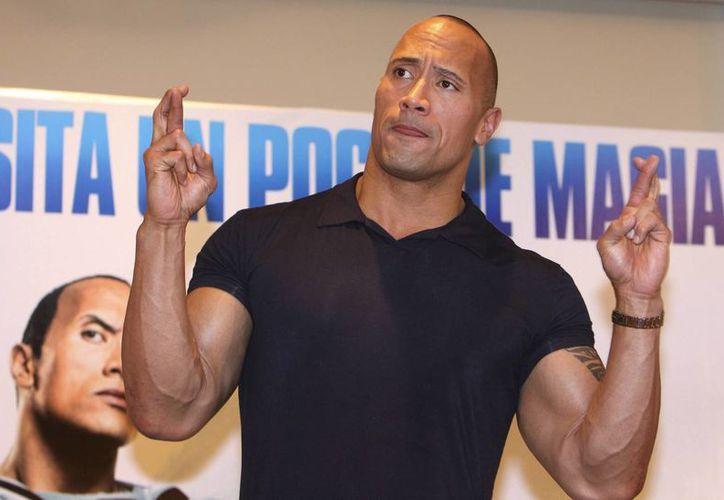 Dwayne Johnson 'La Roca', será quien lleve el papel protagónico de Baywatch. (Archivo/EFE)