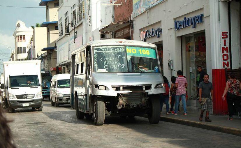 La Dirección de Transporte del estado ya analiza un aumento a la tarifa del transporte debido a la constante alza de precios en las gasolinas. (Jorge Acosta/ Milenio Novedades)