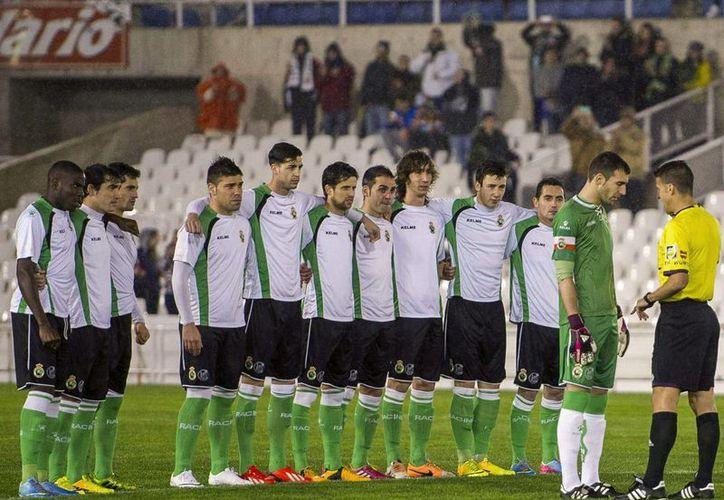 El Racing de Santander perdió 3-1 en el juego de ida de cuartos de final de Copa del Rey, y en el de vuelta, en su casa, se opusieron a jugar. (EFE)